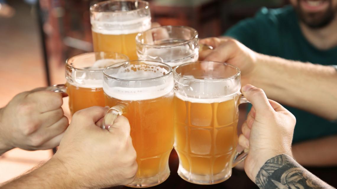 Ők húznak hasznot a nagy nyári hőségből: rengeteg sört isznak a magyarok