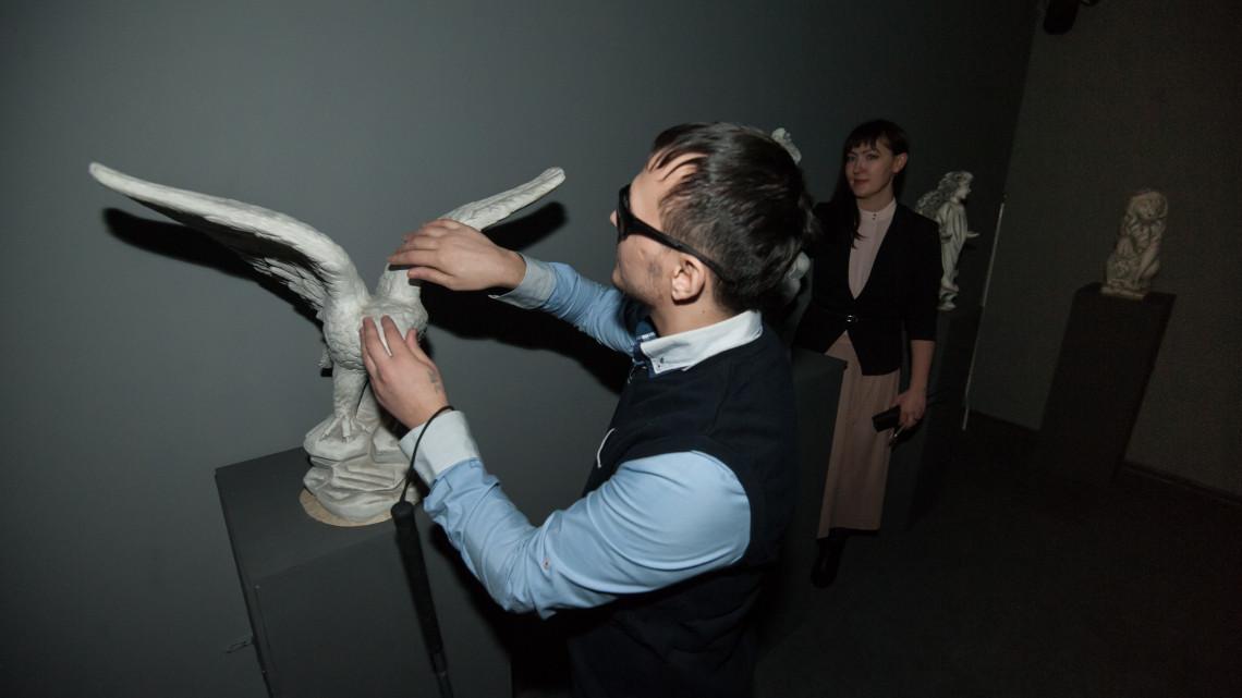 Kulturális gátakat döntenek le Szabolcsban: ilyen kiállítás is ritkán van az országban