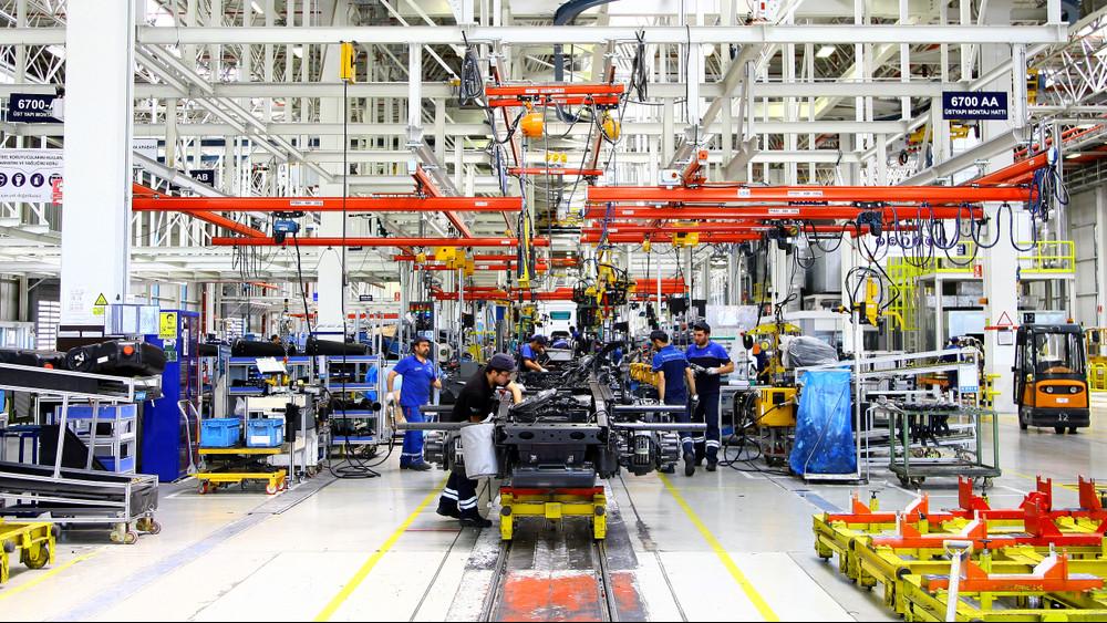 Targonca- és papírmentessé fejlesztik a kecskeméti Mercedes-Benz gyárat