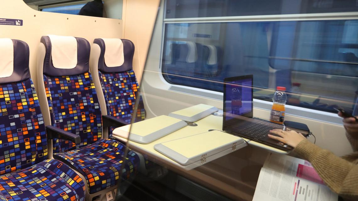 Ajándék a MÁV-tól: gyorsabb lesz az internet a vonatokon