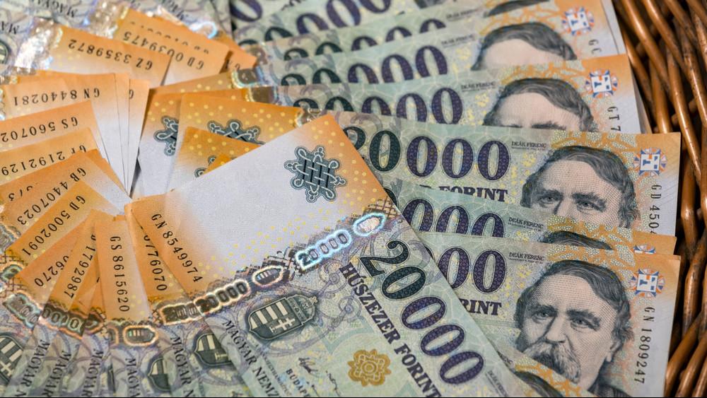 Változott az idei költségvetés: rengeteg pénzt kapott a Magyar falu program