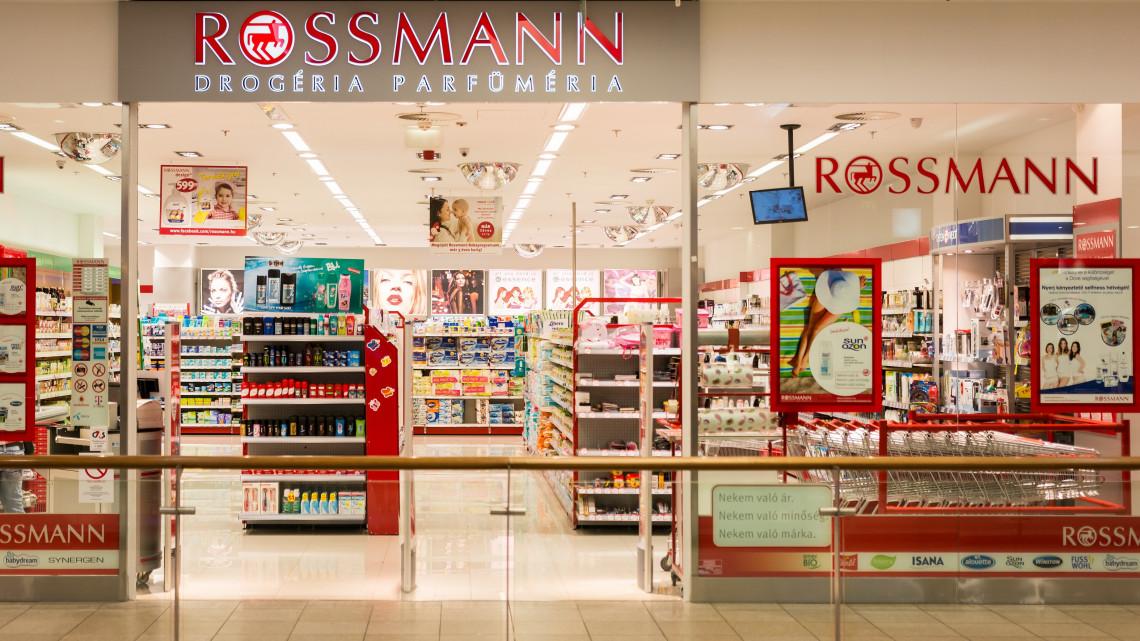Ez azért erős: fémdarabot találtak a Rossmann termékében