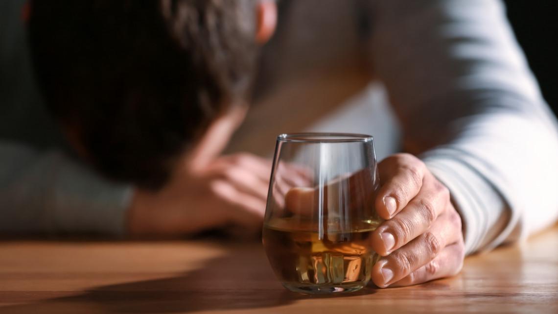 Elkeserítő adatok: minden ötödik ember szenved az alkoholfogyasztástól
