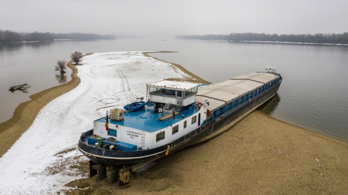 Enyhe a február, kevés a hó: elkerülheti a Dunát az árvíz