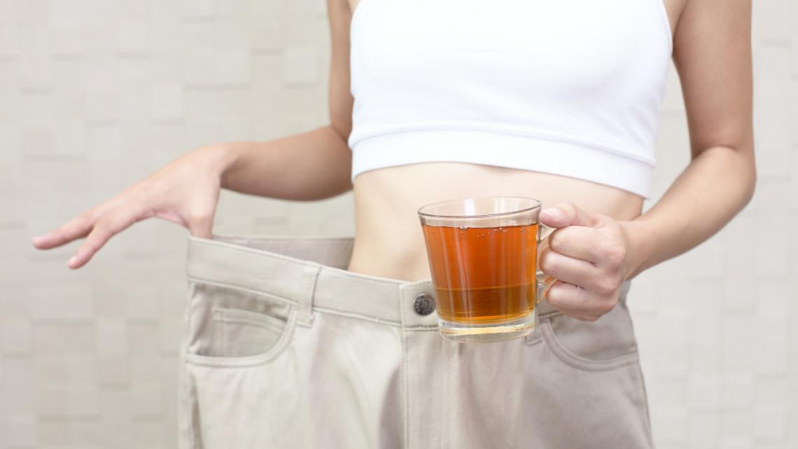 Kanyarban a bikiniszezon: ezekkel a karcsúsító teákkal csak úgy olvadnak a kilók!
