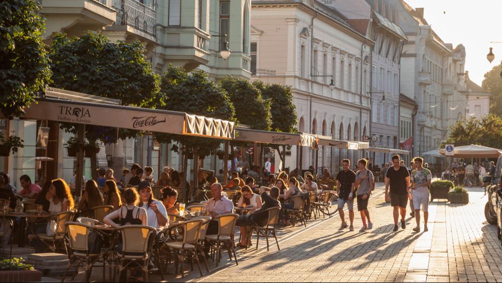Ennyire szereti hasát a magyar: akár órákat is utazunk a finom falatokért