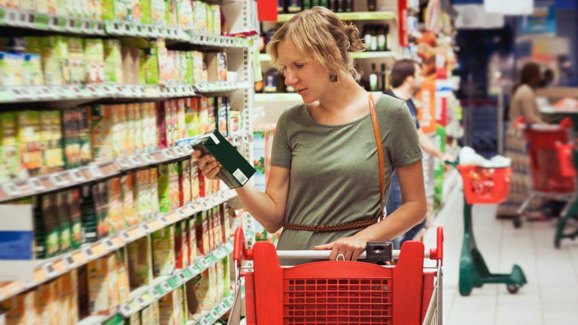Kamu alapélelmiszerek a hazai boltokban: így verik át a gyanútlan vásárlókat