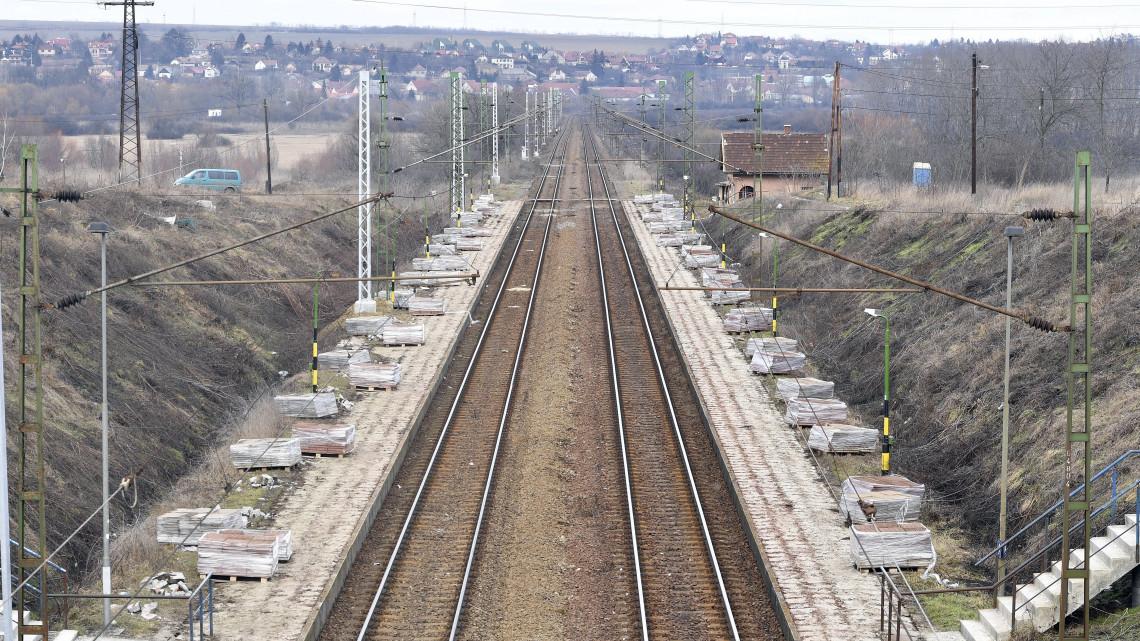 Újabb változás a Budapest–Hatvan vonalon: mutatjuk a pótlóbuszok menetrendjét