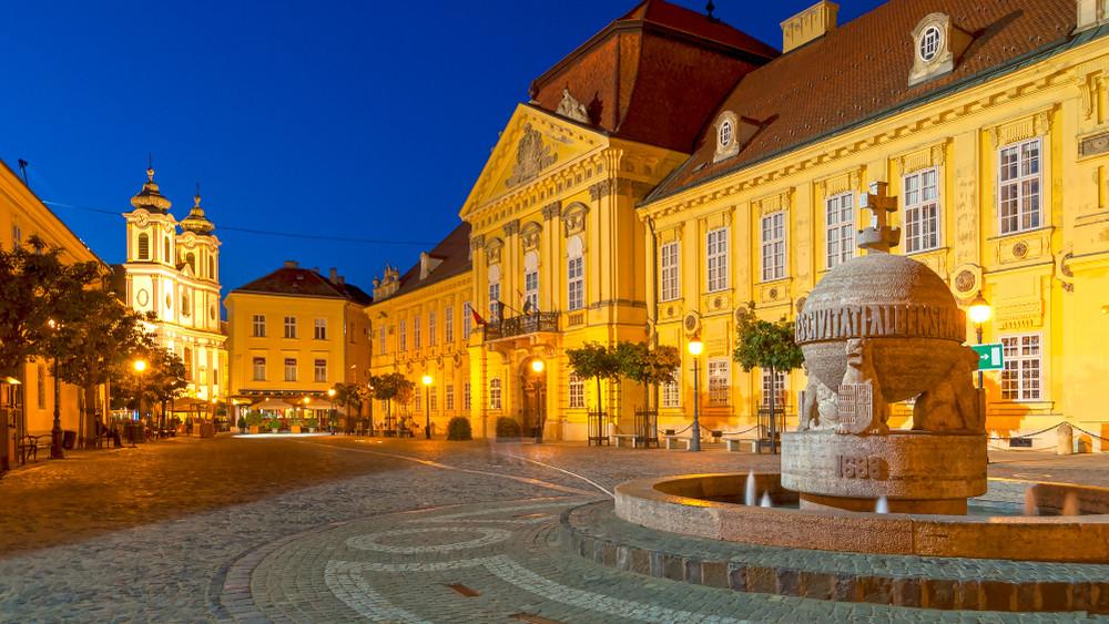 Történelmi városnézés: rendhagyó sétaút épül Székesfehérváron