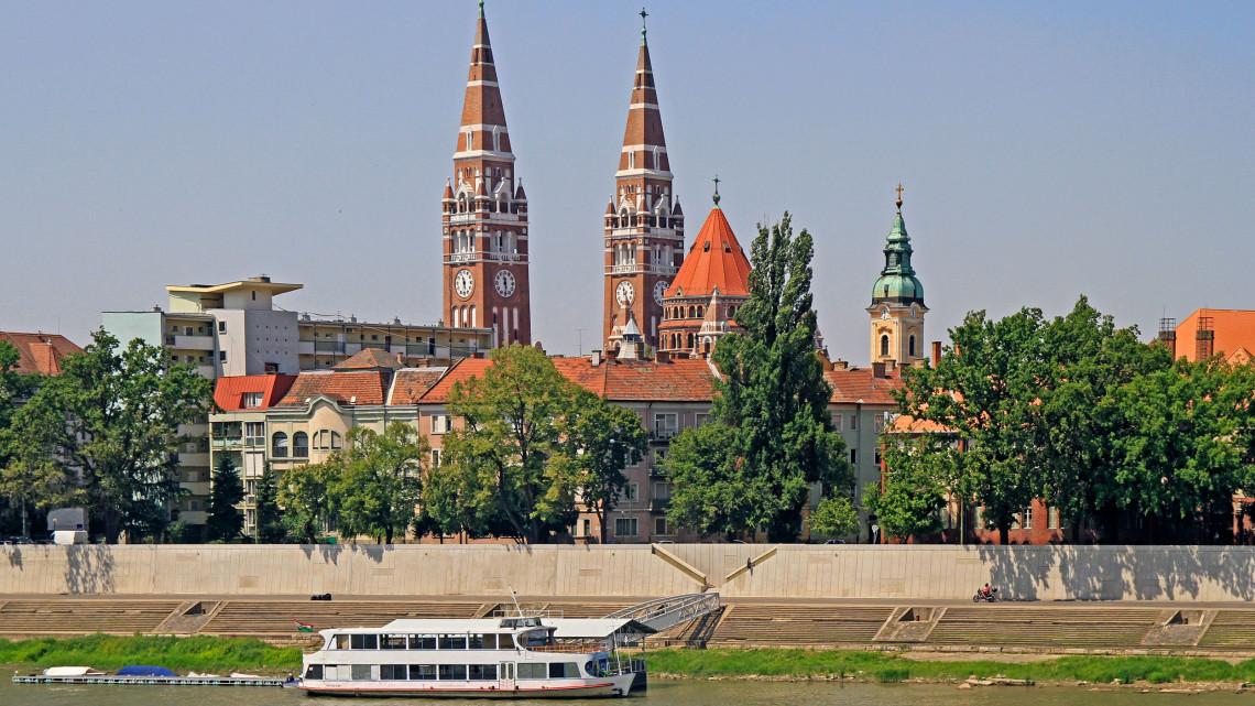 Gálaesttel ünneplik a Szegedért Alapítvány díjazottjait: mutatjuk kik érdemelték ki
