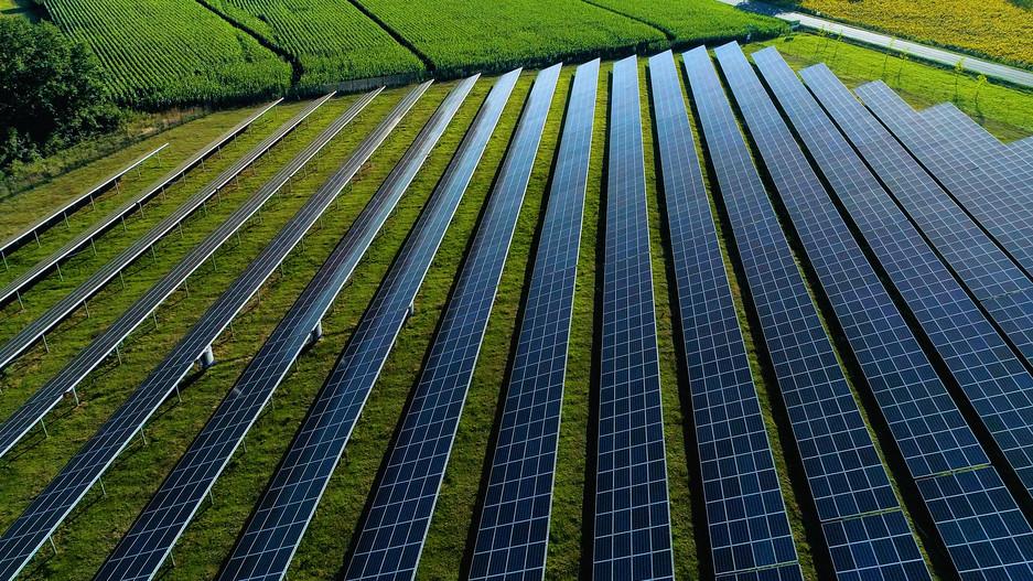 Kaposvár napelenergiába fektetett: 7 év alatt térül meg a felépített napelempark