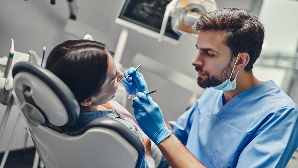 Elkeserítő: a magyarok háromnegyede egyáltalán nem jár fogorvoshoz