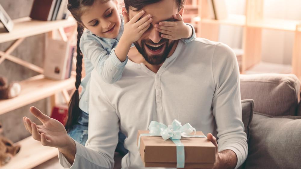Kiderült: csak nyűg az ajándékozás a magyaroknak