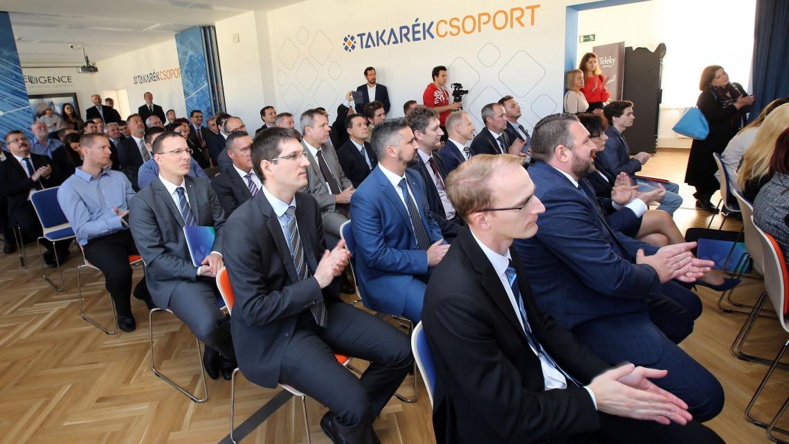 Nagyot lép a Takarék Csoport: létrejöhet Magyarország második legnagyobb bankja
