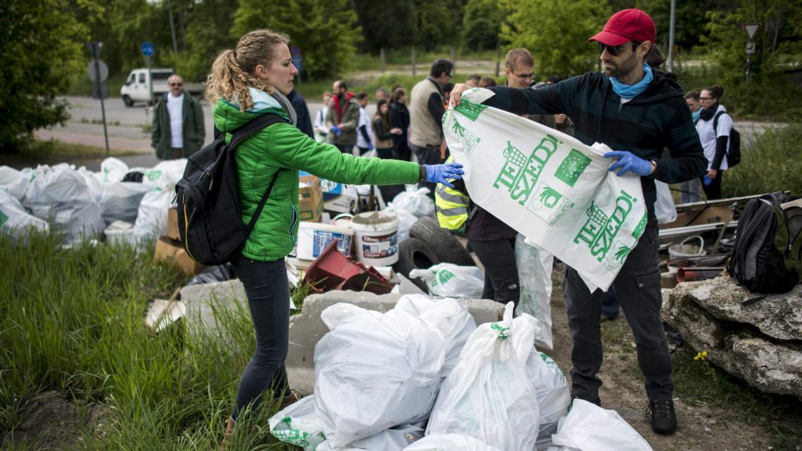 Magyarország megtisztul: már 240 ezren csatlakoztak a szemétszedési akcióhoz