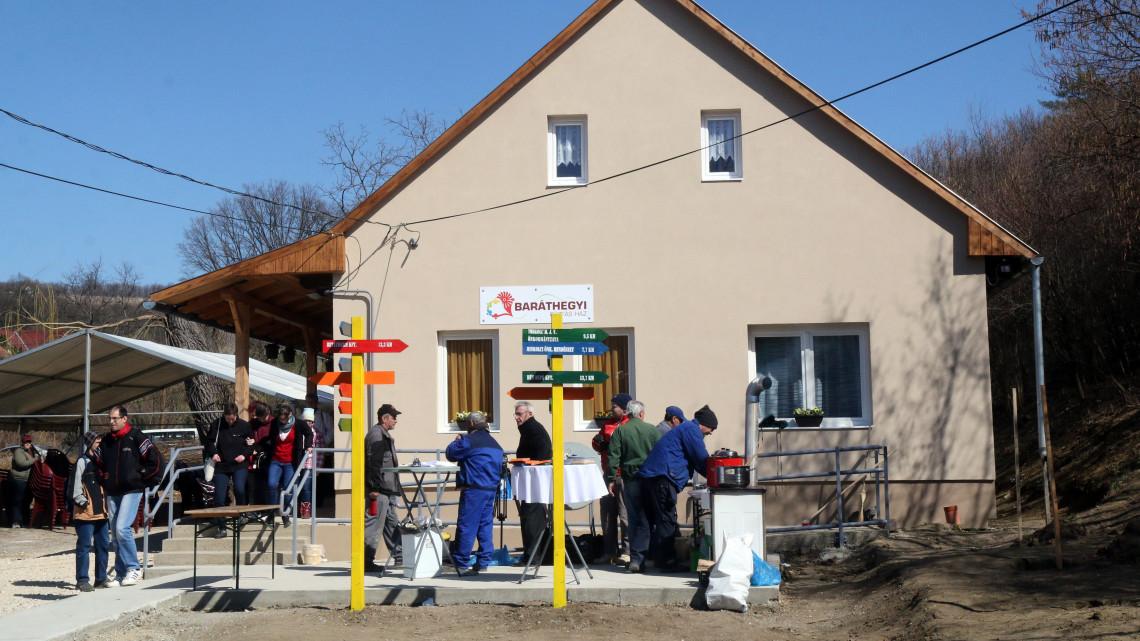 Elkészült a Fűzfás ház: Miskolcon parasztházat újítottak fel fogyatékossággal élők számára