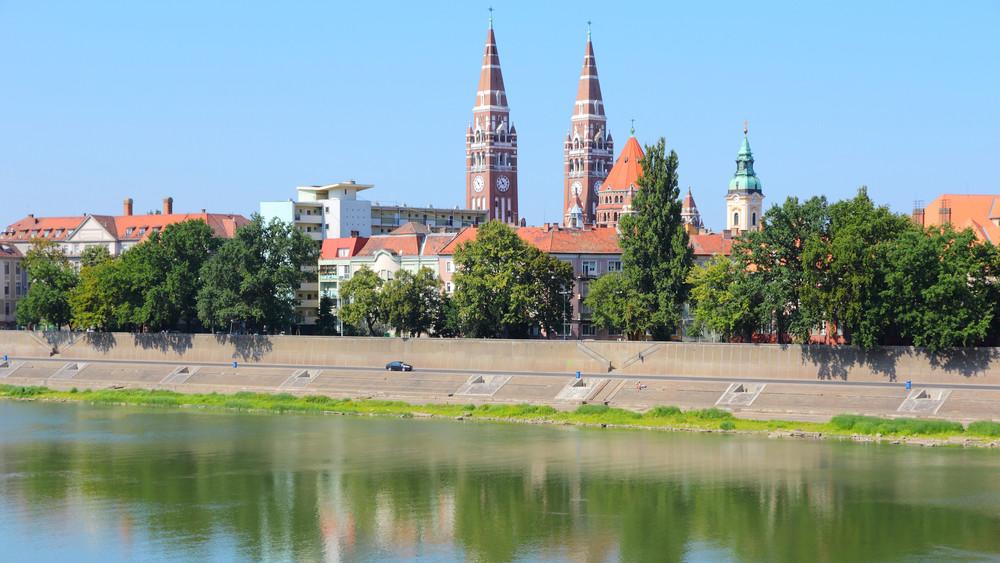 Megújul a Szegedi Tudományegyetem sportközpontja: új lelátót is építenek