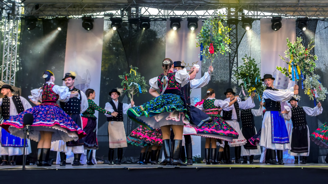 Kivirágzott a Mezőföld: fiatal táncosok mérték össze tudásukat
