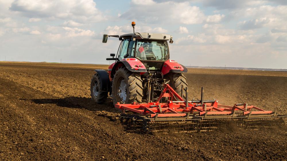 Pörög a traktorbiznisz: rengeteg mezőgazdasági gép fogyott tavaly