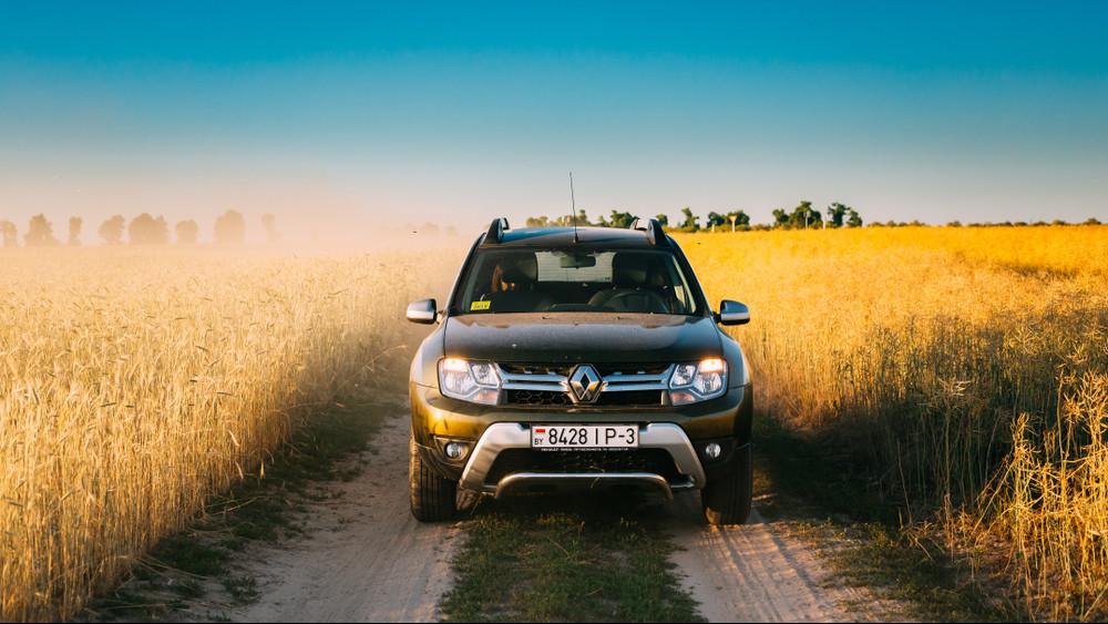 Ezeket az autókat hajtják most vidéken: régiós toplistán a kedvenc márkák