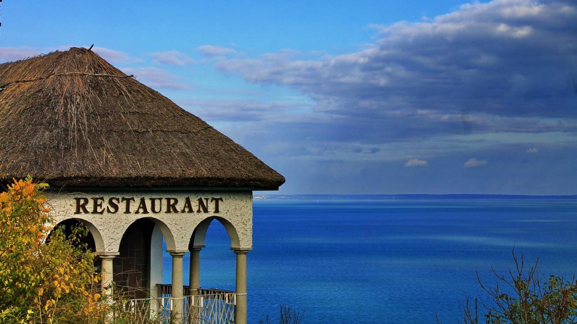 Munkaerőhiány a vendéglátásban: a szakácsok többsége a Balatont választja