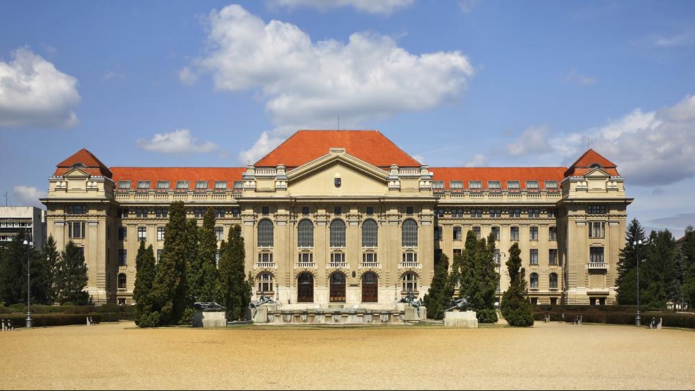 Családkutatás felsőfokon Debrecenben: Neveléstudományi Kutatóközpont alakult