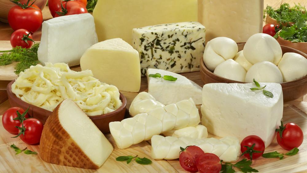 Képzés a sajt szerelmeseinek: két francia mester is oktatja a résztvevőket