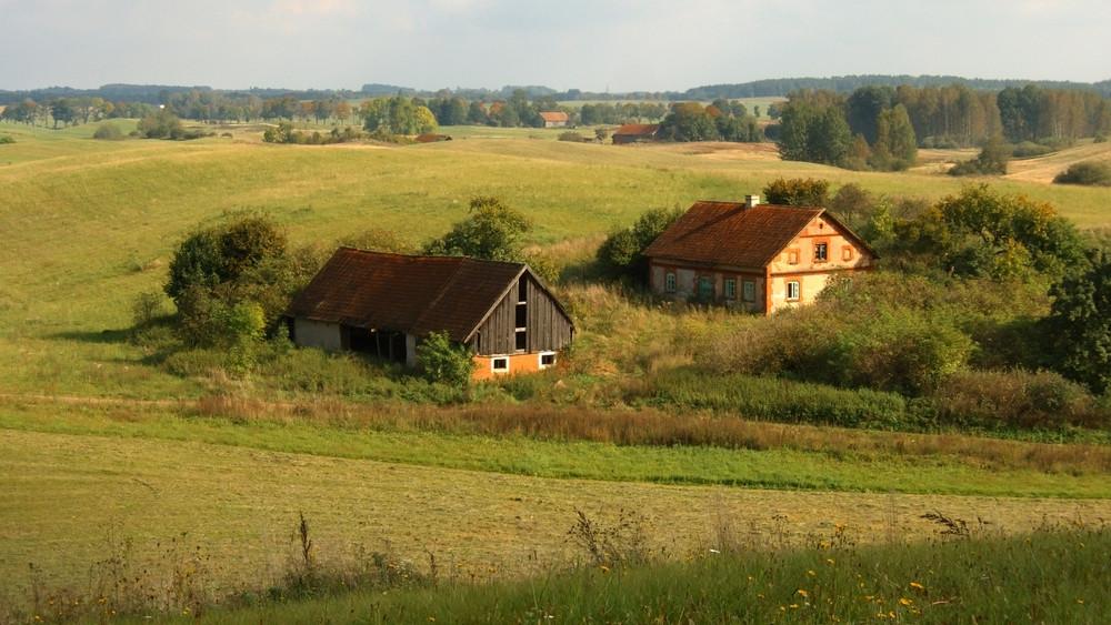 Jó hír a tanyás térségeknek: egy évvel hosszabbodott a villamosítási pályázat