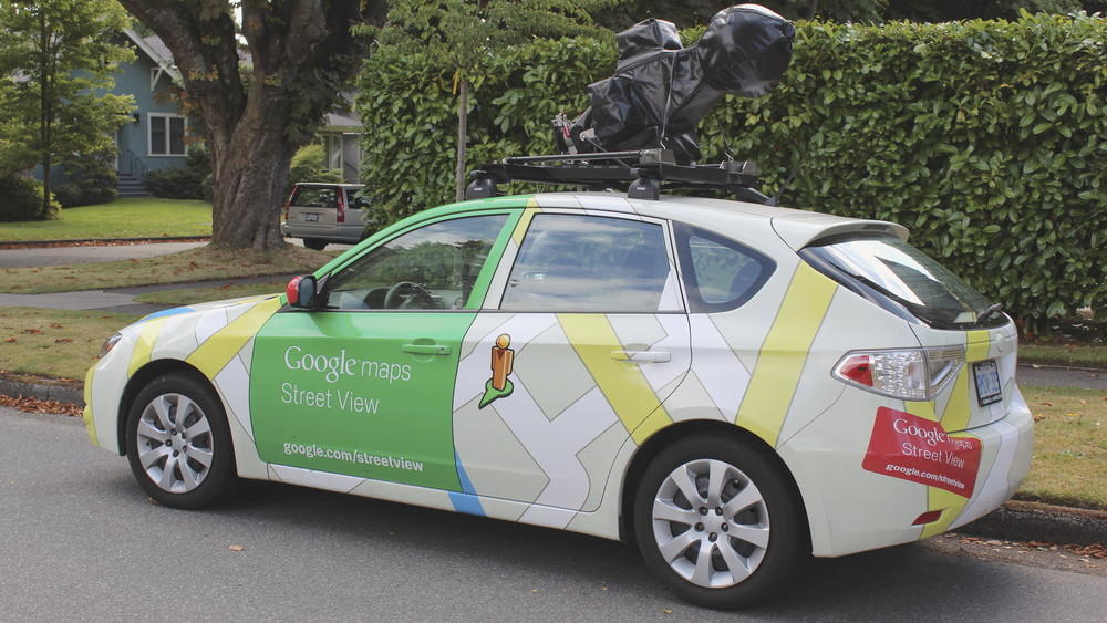 Frissül a Google utcanézete: itt találkozhatsz a képrögzítő autóval