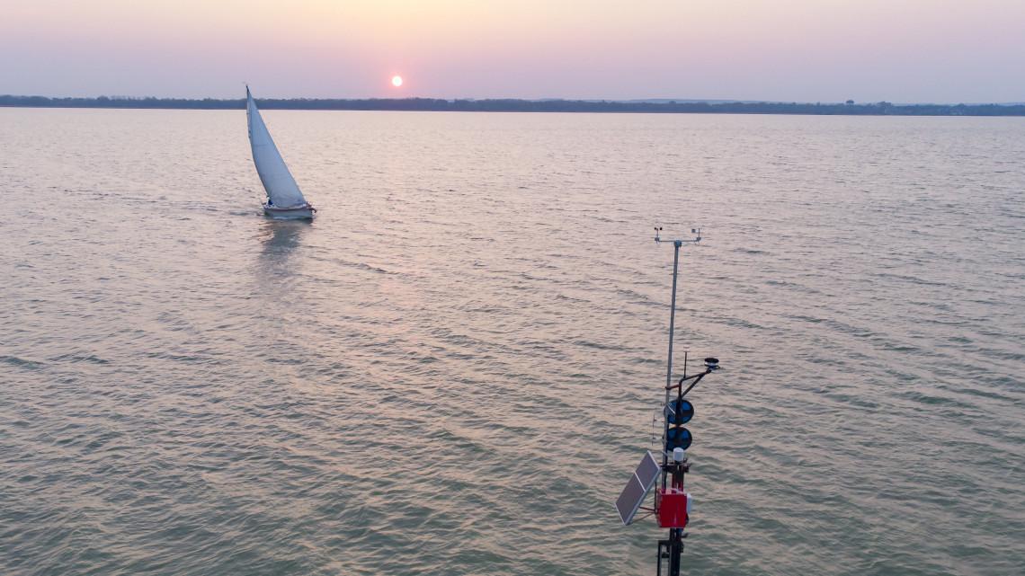 Jönnek az elektromos jetskik a Balatonra: komoly veszélyt okozhatnak