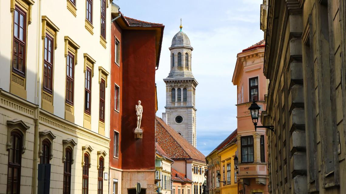 Új irány a magyar építészetben: hagyományokból merítenének a szakemberek