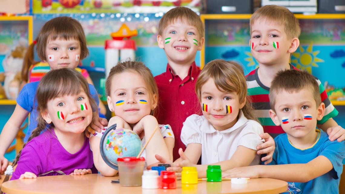 Rossz nevelés: ezért buknak el az iskolai nyelvórákon a magyar gyerekek