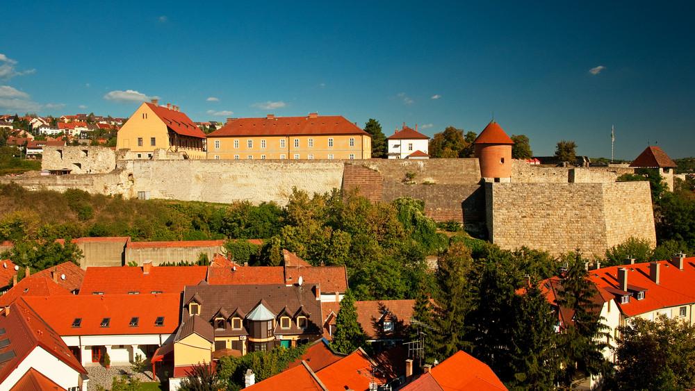 Látogatható az érseki pincerendszer Egerben: az irányított sétákra már lehet jelentkezni