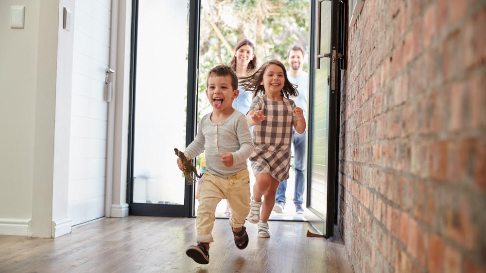 Újabb kedvezmény a családoknak: érkezik a kamatmentes babaváró hitel