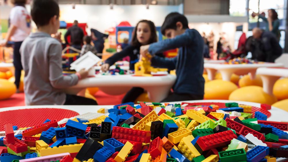 Lego látássérült gyerekeknek: az új termék tartalmazza a teljes Braille-ábécét
