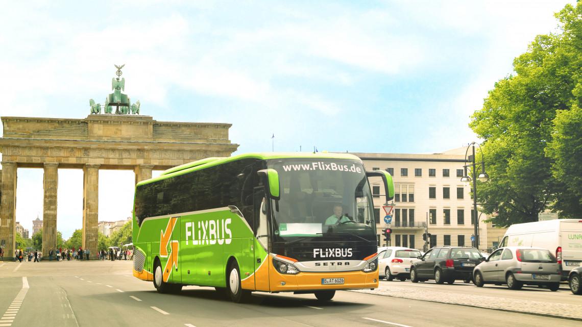 Bővülnek a nemzetközi buszjáratok a Balatonon: új menetrenddel kezdődik a május
