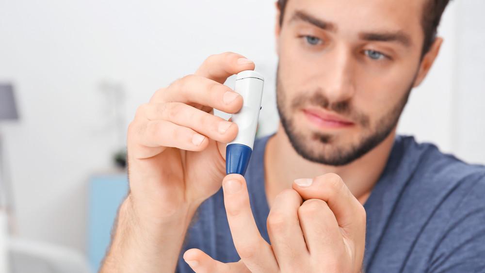 Ingyenes alkalmazás segít a cukorbetegeknek: végtagokat menthet meg