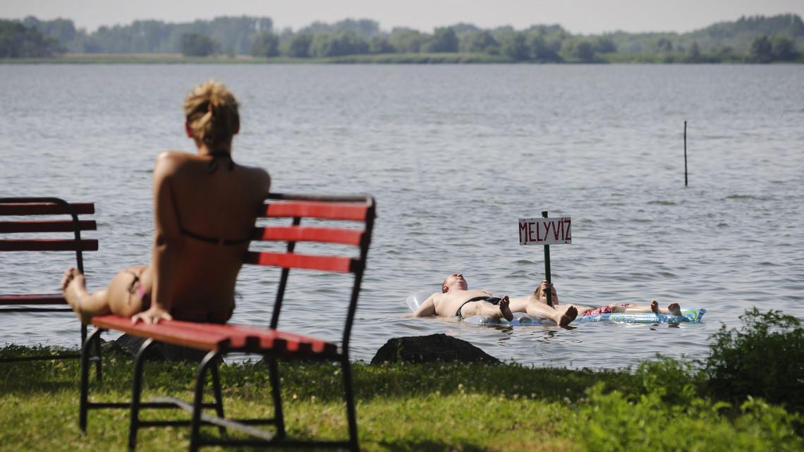 Hamarosan nyit a Tisza-tó legújabb csodája: kikötő és kilátótorony is lesz