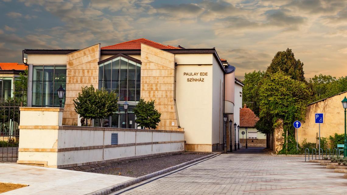 Sztárfellépőkkel erősít Tokaj: itt vannak az idei programok