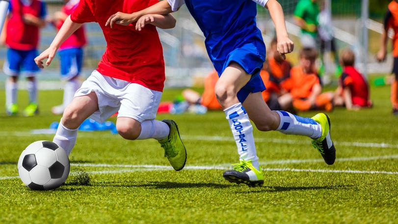 Itt minden sportág megfér: új sportcsarnokot adtak át Tihanyban