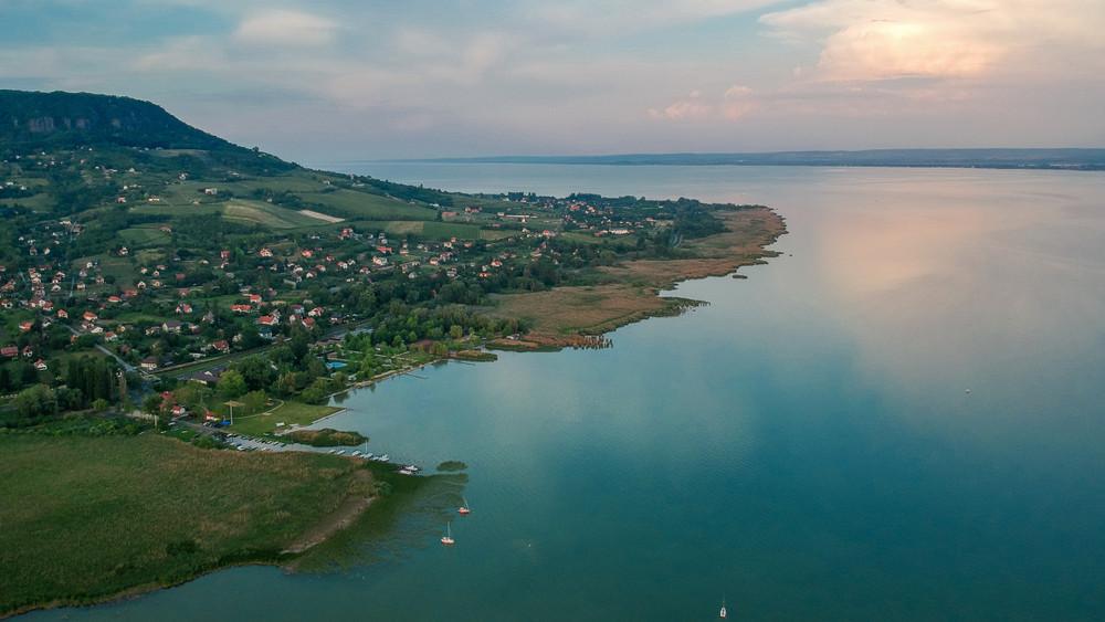 Komoly baj van a Balatonnál: ha ez így megy tovább, visszafordíthatatlan lesz a kár
