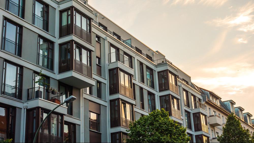 Nagyobb a kereslet, mint a kínálat: így változnak a lakásbérleti díjak
