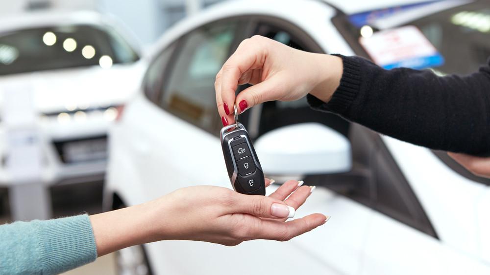 Megújulhat a magyar autóállomány: durván csökkenhetnek a kocsivásárlás adói