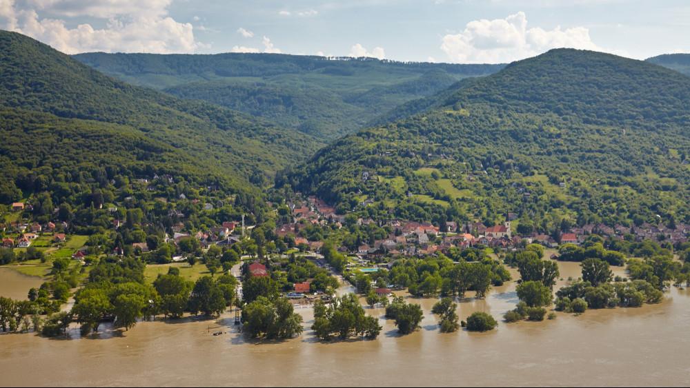 Túl sok eső esett: árvíz lehet a Dunán és a Tiszán