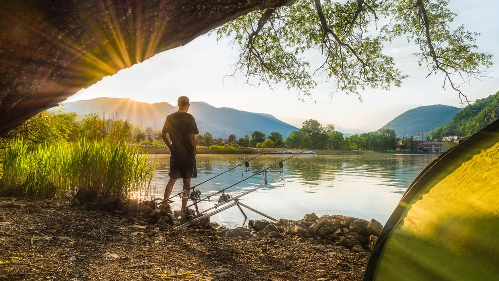 Hatalmas bestiát fogtak a Balatonból: rekordot döntött a horgász