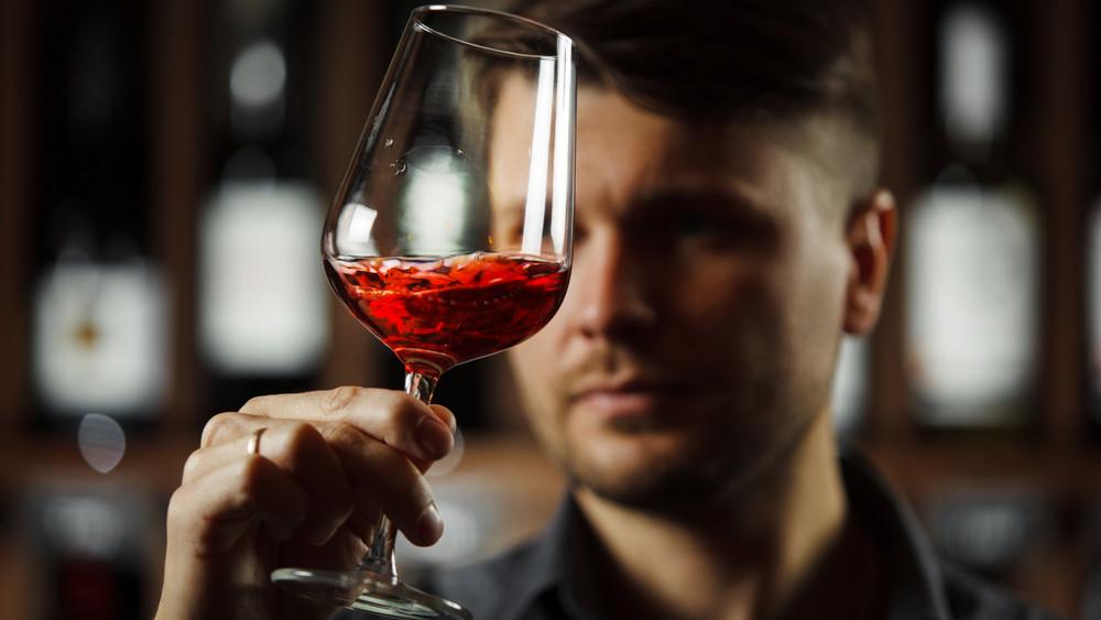 Még koránt sincs vége a borversenyeknek: közeleg a sillerfesztivál!