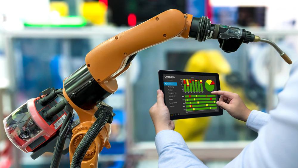Robottechnológiára vált a Bock: a cég 3,8 milliárdból fejleszt