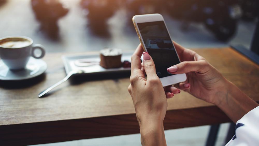 Újabb településekre tör be a magyar mobilszolgáltató: megéri váltani?