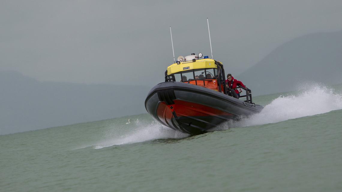 Bevetették a sürgősségi mentőhajót:  csak speciális jármű tud megbirkózni a Dunával