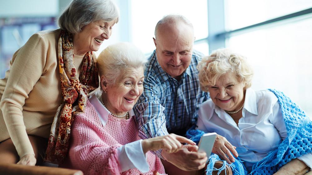 Ennyiből élnek a magyar nyugdíjasok: van, aki 2 milliót kap